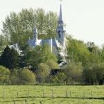 Église de Saint-Joachim dans un cadre champêtre