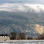 La Petite Ferme et le cap Tourmente en hiver